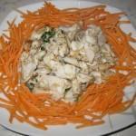 Bocconcini di trota su un letto di carote
