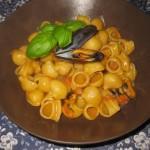Pipe rigate con cozze e fagioli