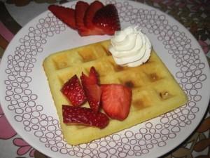 waffle con panna e fragole