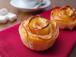 Roselline di sfoglia alle mele