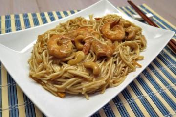 spaghetti di riso con gamberi
