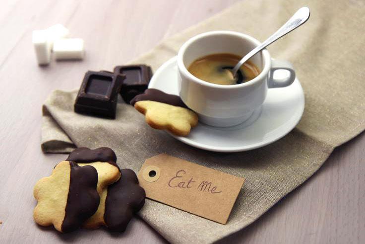 biscotti metà cioccolato