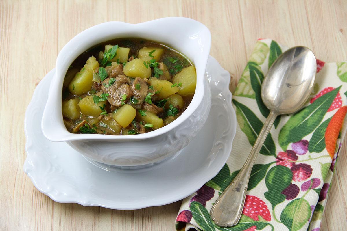 zuppa di patate e funghi porcini secchi