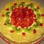 Torta bisquit con crema e frutta