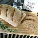 Pane al farro e rosmarino