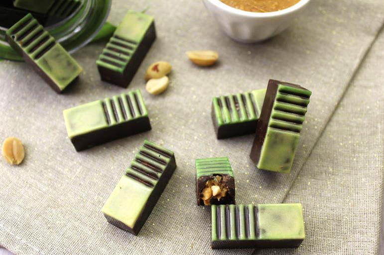 cioccolatini fondenti ripieni di burro di arachidi