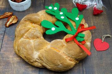 ghirlanda di pane ai pomodori secchi